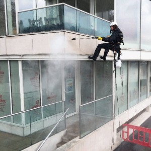 Stone facade specialist cleaning